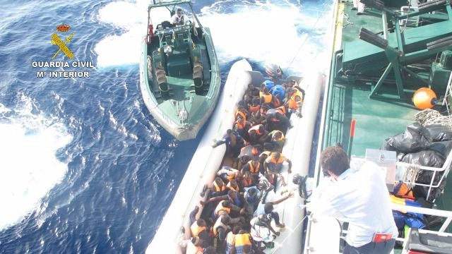 La Guardia Civil rescata a 133 inmigrantes en la costa de Libia