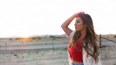 Sara Serena, la primera artista española femenina en tener un número 1 en la radio americana