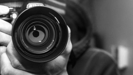 La Policía Nacional detiene a un fotógrafo por abusar sexualmente de siete chicas