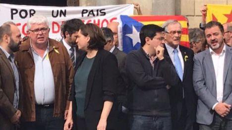 Colau: Puigdemont es el legítimo presidente de la Generalitat