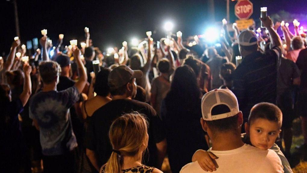 Un hombre asesina a 26 personas en una iglesia de Texas