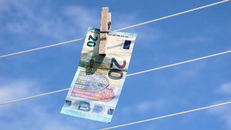 Novedoso método de lavado de dinero mediante la venta de artículos de lujo a través del sistema daigou
