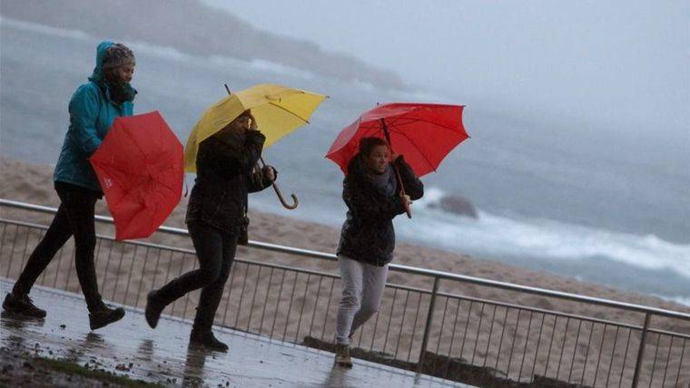 Protección Civil y Emergencias alerta por fuertes vientos, en tierra y mar