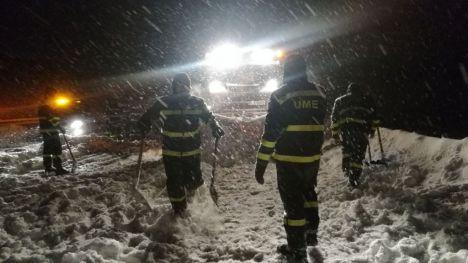 Miles de conductores quedaron atrapados en la AP6 por la nieve
