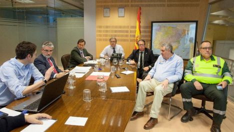 El ministro del Interior se reúne con el director general de Tráfico para tratar la situación de las carreteras