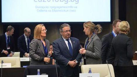 Los ministros del Interior de la UE sientan las bases del futuro pacto global para una inmigración ordenada, segura y regular