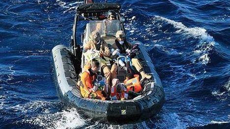La fragata 'Santa María' rescata a más de 300 personas