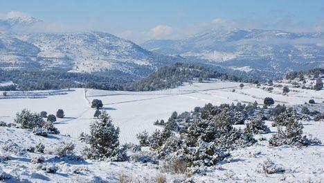 Preparadas para hacer frente a las nevadas en Asturias, Cantabria y Castilla y León 488 máquinas quitanieves y 104.115 toneladas de fundentes
