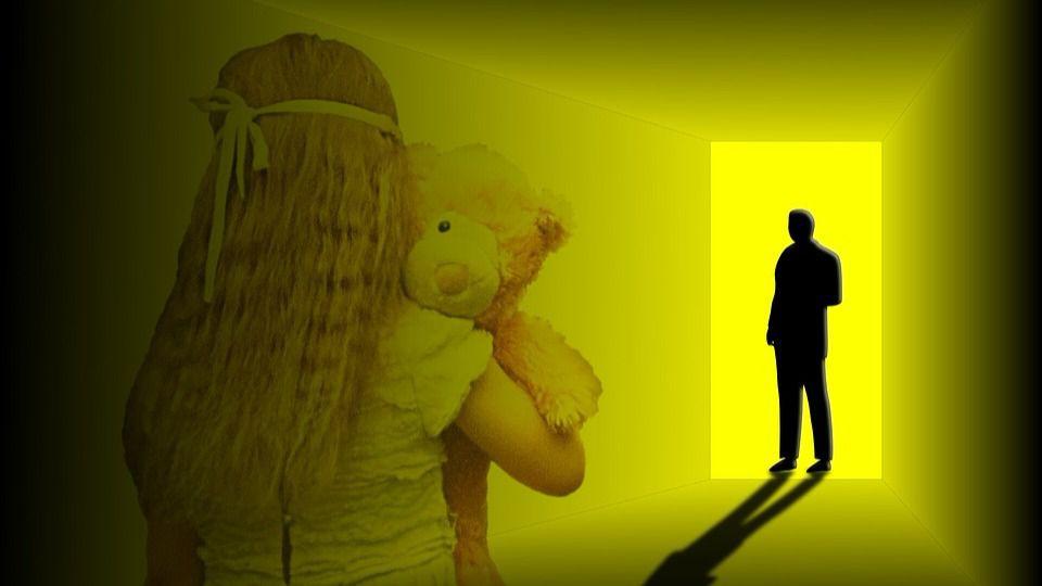 La Guardia Civil detiene a un profesor acusado de abusar sexualmente de una de sus alumnas