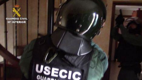 La Guardia Civil desarticula una organización criminal dedicada al tráfico internacional de drogas e interviene dos helicópteros