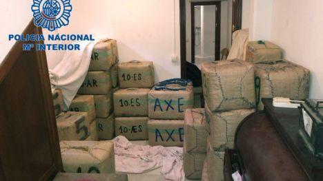 Intervenidos 2.500 kilos de hachís y detenidos cuatro narcotraficantes en La Línea de la Concepción