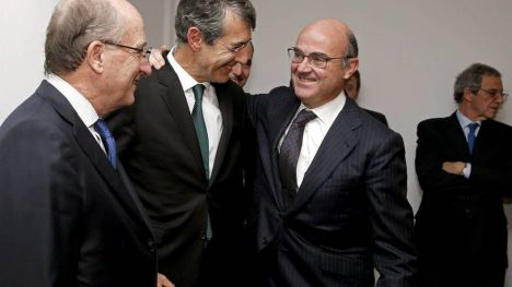 Rajoy adelanta las virtudes del sustituto del Ministro de Economía