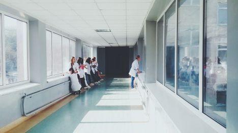 ¿Cómo es la atención recibida en los centros sanitarios españoles?