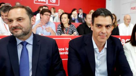 Ábalos presentará la moción de censura socialista contra Rajoy