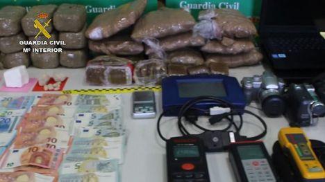 Desarticulada una organización criminal dedicada a introducir de manera ilegal ciudadanos albaneses en Inglaterra