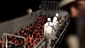 Sánchez señala a Valencia para acoger a los refugiados del buque Aquarius