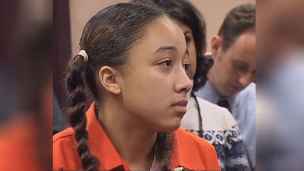 Cyntoia Brown, indultada por asesinar cuando era adolescente a un depredador infantil