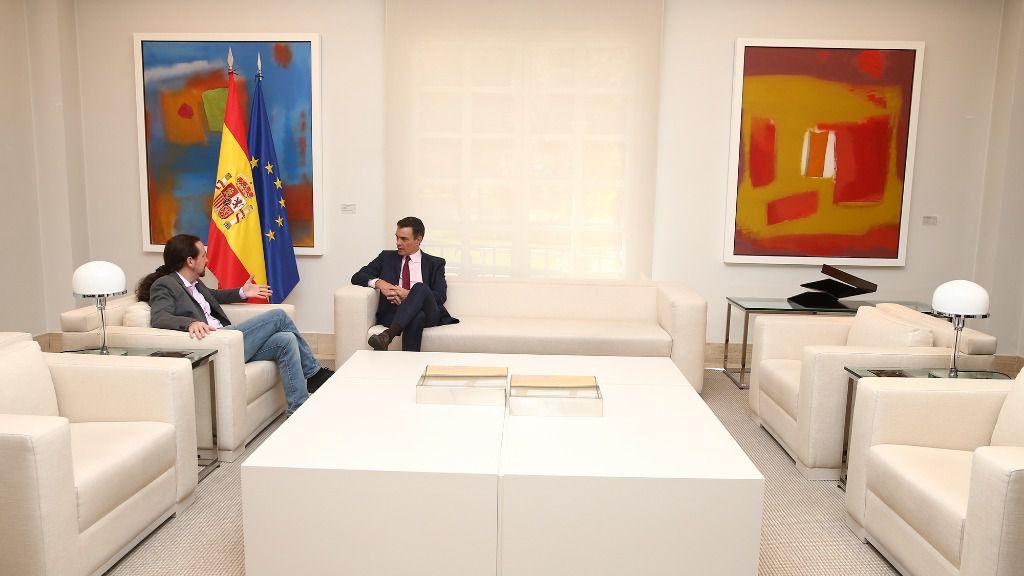 Sánchez pide ayuda a los líderes de los principales partidos para frenar el conflicto catalán
