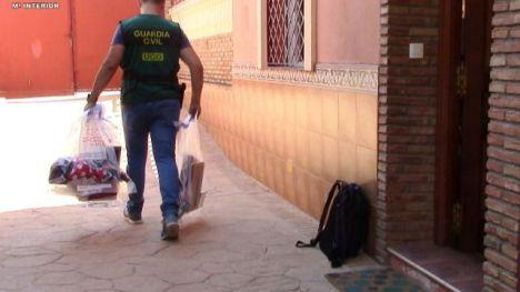 Detenida una madre por producir vídeos sexuales con sus hijas y venderlos por internet