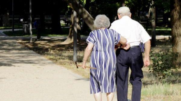 Trabajo saca casi 3.000 millones de la 'hucha de las pensiones' para la paga ordinaria y la extra
