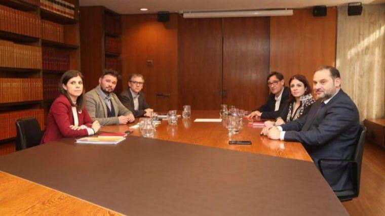 """PSOE y ERC constatan """"avances"""" para """"encauzar el conflicto político"""""""