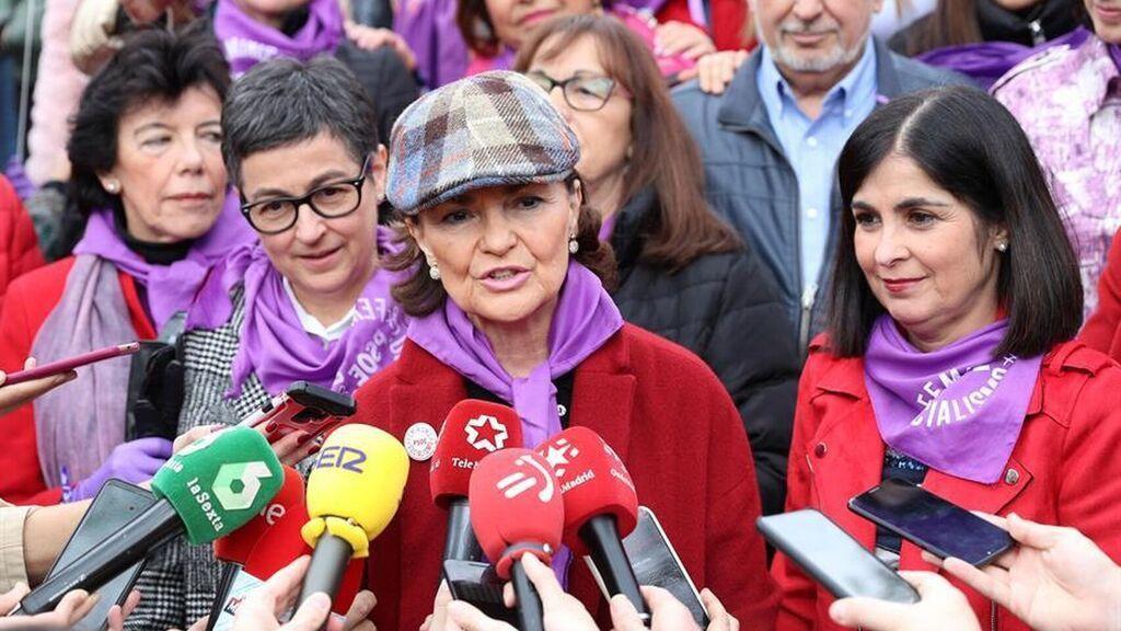 Carmen Calvo ingresada por problemas respiratorios