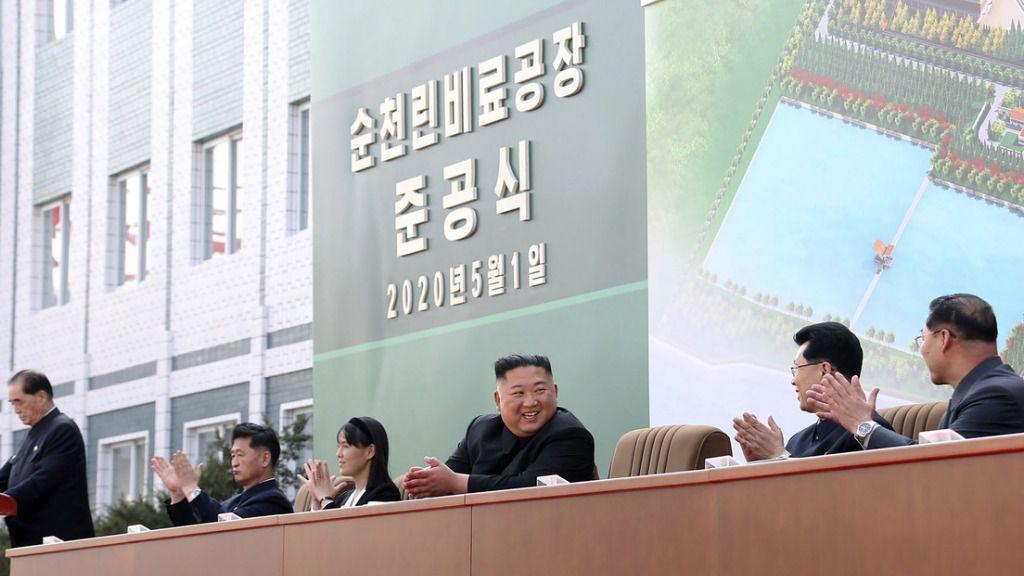 Kim Jong-un reaparece tras especularse durante semanas sobre su muerte