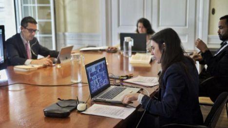 Igualdad acuerda con las CCAA el reparto de 100 millones de euros contra la violencia machista