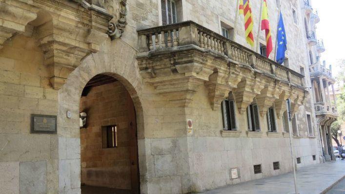 Condenado a 18 años y medio de prisión por abusar sexualmente de sus hijastras en Menorca