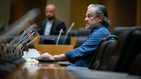 Marcos de Quinto homenajea a Pablo Iglesias yendo