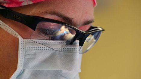 El coronavirus podría paralizar casi 550.000 cirugías en España y más de 28 millones en todo el mundo