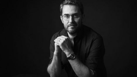 Máximo Huerta reivindica en su última novela