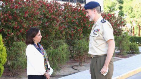 El Rey junto a Margarita Robles felicitan a las Fuerzas Armadas en su día
