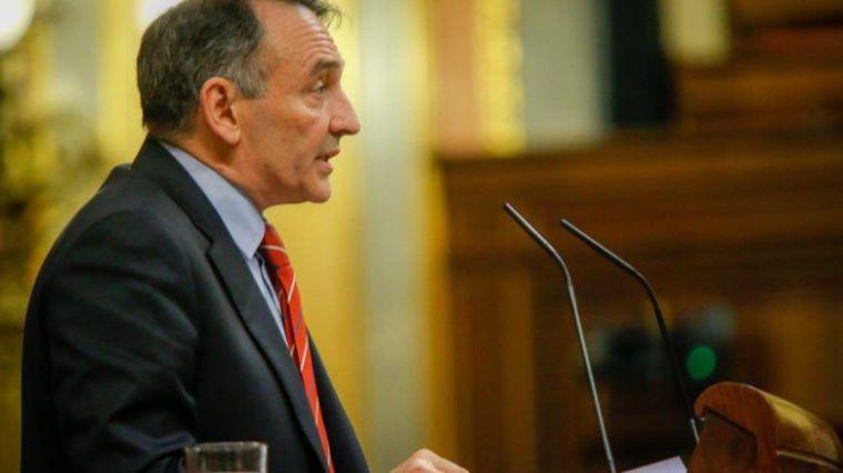 Enrique Santiago reprocha a Vox una 'ley falsaria' sobre subida de sueldo a policías y guardias civiles