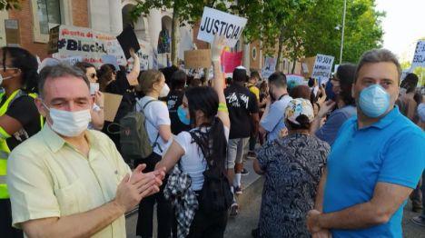 Santiago muestra su 'solidaridad' con quienes se movilizan en todo el mundo contra el racismo