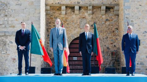 España y Portugal reabren una frontera que esperan no cerrar