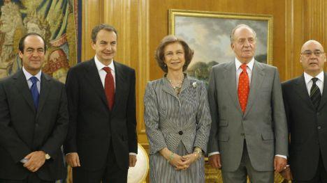Zapatero pide al Gobierno las medidas necesarias sobre la Corona para que goce de la