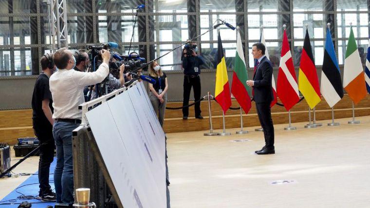 Sánchez se muestra satisfecho por el 'acuerdo histórico' en la UE que otorga a España unos 140.000 millones de euros