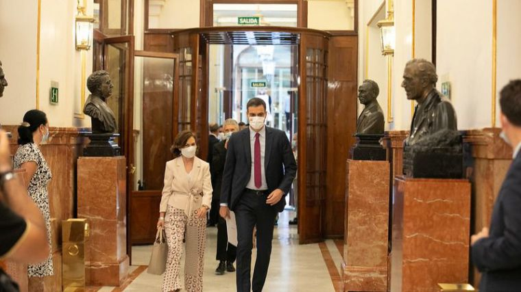 Sánchez recrimina a Casado su 'aportación inexistente' mientras luchaba por España en Europa