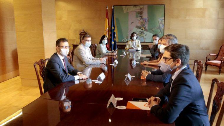 Calvo considera que la reunión con Ciudadanos es 'necesaria' por 'la arquitectura parlamentaria'