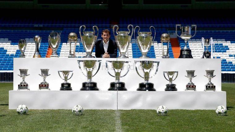 Fútbol: Casillas anuncia su retirada a través de Twitter