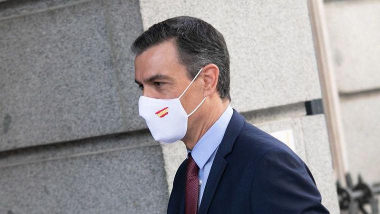 Sánchez defiende la monarquía parlamentaria ante la militancia del PSOE