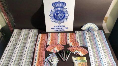 La Policía detiene a cinco personas en dos operaciones contra la distribución de dinero falso