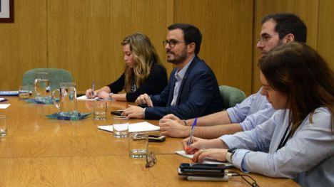 Garzón defiende que los prostíbulos deberían estar cerrados 'siempre'