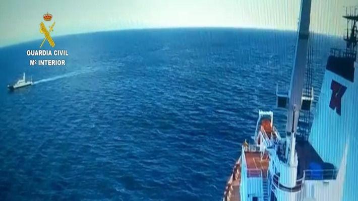 Detenido en alta mar un tripulante de un buque español como presunto autor de un delito de lesiones graves