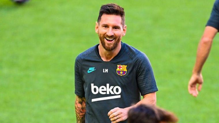 Ya es oficial: Leo Messi se queda en el Barça esta temporada