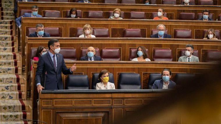 Sánchez, al PP: 'Unidas Podemos cumple con la Constitución y ustedes no'