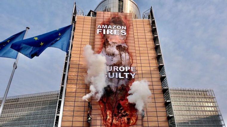 Greenpeace 'hackea' la sede de la Comisión Europea