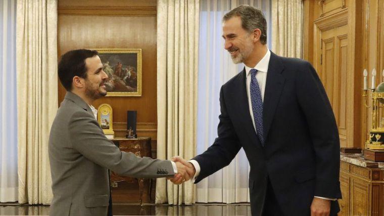 Garzón contra la monarquía: No es neutral y 'maniobra contra el Gobierno'