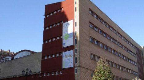 Detenida una mujer tras agredir a su expareja a la salida del colegio en Oviedo
